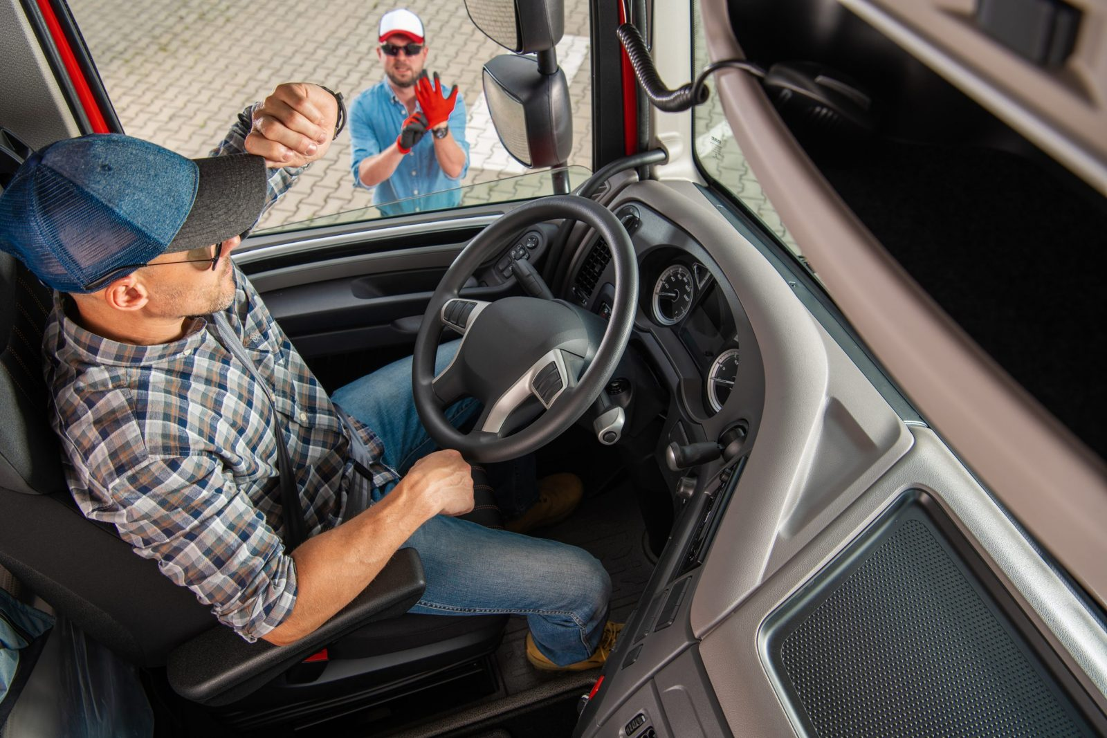 Read more about the article Our CDL Training Program Offers Access to Immediate Local Trucking Job Opportunities